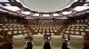 Parlamentul se întruneşte în şedinţă pentru a da vot de încredere Guvernului
