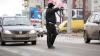 Poliţiştii insistă să mergi cu maşina personală la Dispensarul de Narcologie. Cum procedezi? (VIDEO)