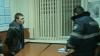 SCANDAL la un inspectorat! Un tânăr beat a sărit la bătaie şi a înjurat poliţiştii (VIDEO)