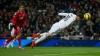 Faze tari în meciul dintre Real Madrid şi Sevilla. Un jucător a fost scos pe targă din teren
