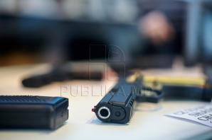 Cât timp poate Poliţia să reţină o armă luată la expertiză
