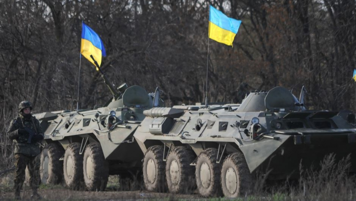 O coloană a militarilor ucraineni, ATACATĂ de insurgenţii proruşi: Zeci de soldaţi au fost răniţi