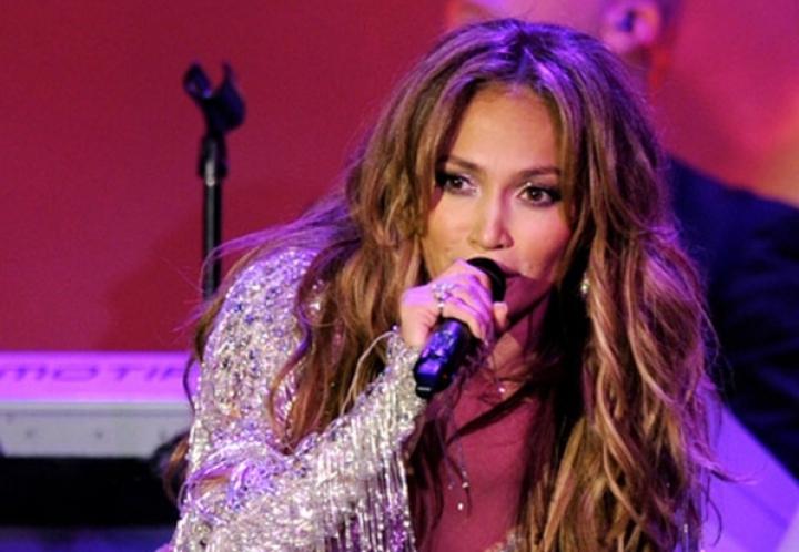 Jennifer Lopez cântă la nunţi! Câte sute de mii de euro a câştigat în doar 45 de minute