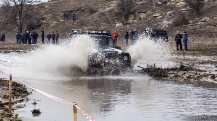 Show de EXCEPȚIE la Făgureni! Începe prima etapă de Jeep Trial Cross din anul 2015