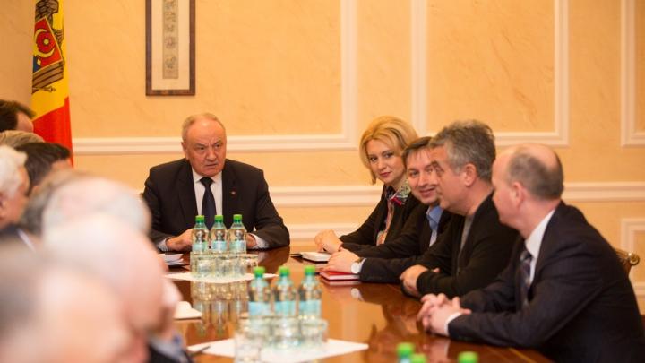 Deputaţii PCRM s-au întâlnit cu Timofti. PROPUNEREA comuniştilor pentru şeful statului