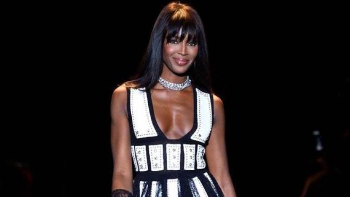 Top modelul Naomi Campbell s-a întors la Londra, oraşul său natal, pentru o gală de caritate