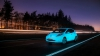 PREMIERĂ! Maşina fosforescentă care circulă pe o şosea ce străluceşte în întuneric (VIDEO)