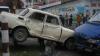 Accident neobişnuit în centrul Capitalei! Un Moskvich a ajuns pe un pilon (VIDEO)