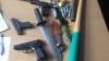 Ameninţări şi bătăi! Şase tâlhari au făcut ORORI în mai multe localităţi din ţară (VIDEO)