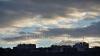 Cer acoperit de nori şi ploi slabe. Câte grade vor indica termometrele în prima zi de weekend