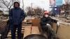 Efectele armistiţiului: Localnicii încearcă să-şi refacă vieţile în Donbas