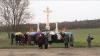 """Cu crucea pe """"cel mai blestemat drum din Moldova"""". În memoria victimelor accidentelor (VIDEO)"""