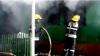 Pompierii din Drochia la datorie! O casă a fost mistuită de flăcări (VIDEO)