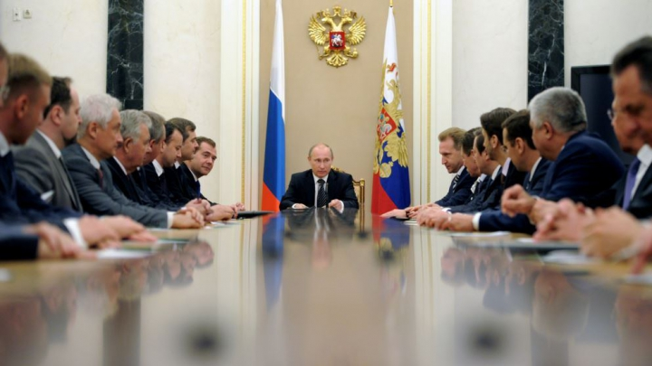 Putin şi Guvernul său AU RENUNŢAT la serviciile unei companii americane de PR
