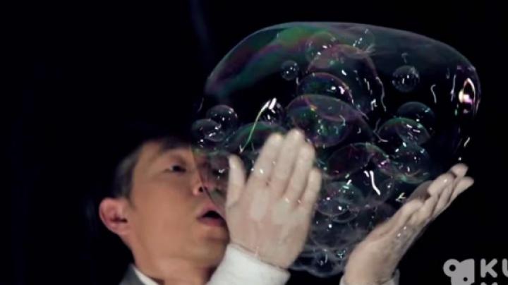 Milioane de internauţi au rămas UIMIŢI de talentul unui bărbat (VIDEO FASCINANT)
