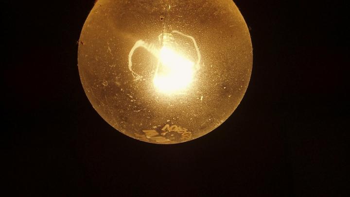 Fără lumină pe timp de eclipsă. Localităţile din ţară şi adresele din Chişinău care vor rămâne fără curent