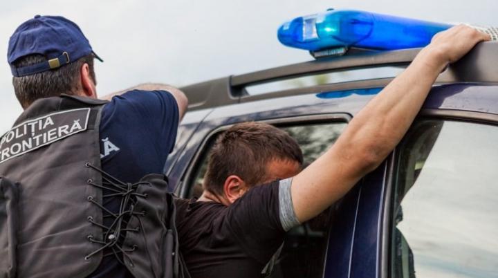 Mai multe persoane date în căutare au fost IDENTIFICATE și REȚINUTE de polițiștii de frontieră