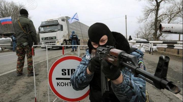 Luptele nu mai contenesc! Trei soldați au murit, iar nouă au fost răniți în estul Ucrainei