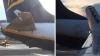 Incident pe aeroport. Două avioane de pasageri s-au ciocnit înainte de a decola