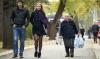 Rupţi din soare! Peste jumătate dintre moldoveni spun cu mândrie că sunt foarte frumoşi (VIDEO)