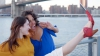 Tendinţă-BOMBĂ printre amatorii de poze selfie: S-au inventat pantofii care fotografiază (VIDEO)