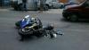 Un motociclist a ajuns la spital după ce s-a ciocnit cu o maşină