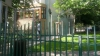 DEMONTAREA gardurilor din preajma blocurilor, PROMISIUNE UITATĂ. Argumentele funcţionarilor Primăriei