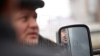 Nu avea NICIO explicație! Un șofer a rămas fără marfa adusă din Tiraspol (FOTO)