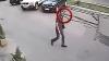 Îl recunoaşteţi? Un recidivist PERICULOS este căutat de poliţia Capitalei (VIDEO)