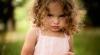 VIRAL pe web! O micuţă imită sforăitul unei rude (VIDEO)