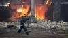 PANICĂ şi FLĂCĂRI. Un incendiu a izbucnit la o întreprindere din Chişinău (VIDEO)