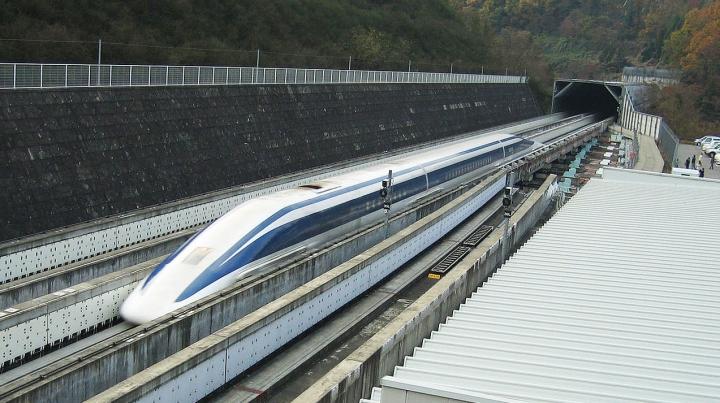 Record după record! Trenul japonezilor a depășit viteza de 600 de km la oră