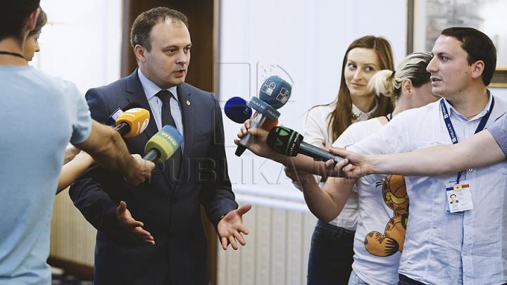 Speakerul Andrian Candu lansează DEZBATERI PUBLICE privind proiectul interzicerii propagandei