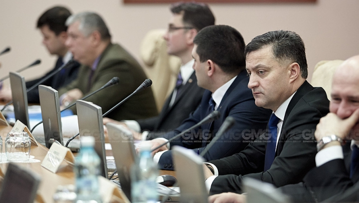 NUMIRI la ședința Guvernului. Cine este noul viceministru al Dezvoltării Regionale şi Construcţiilor