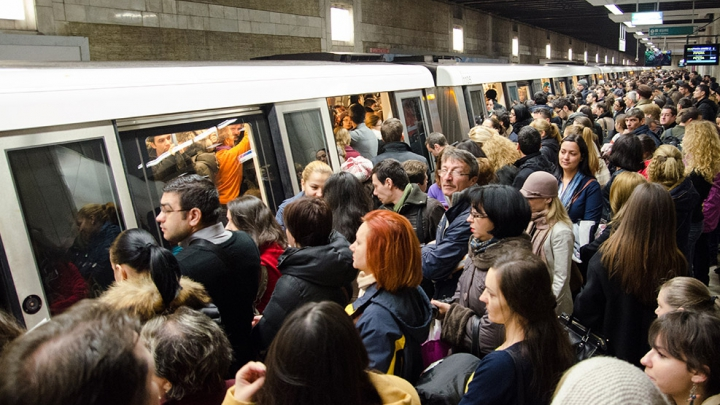 Transportul public, considerat spațiul ce reprezintă cel mai ridicat risc de infectare cu COVID-19 în Italia