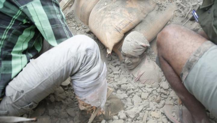 CUTREMUR DEVASTATOR în Nepal. Numărul morţilor a trecut de 1.000