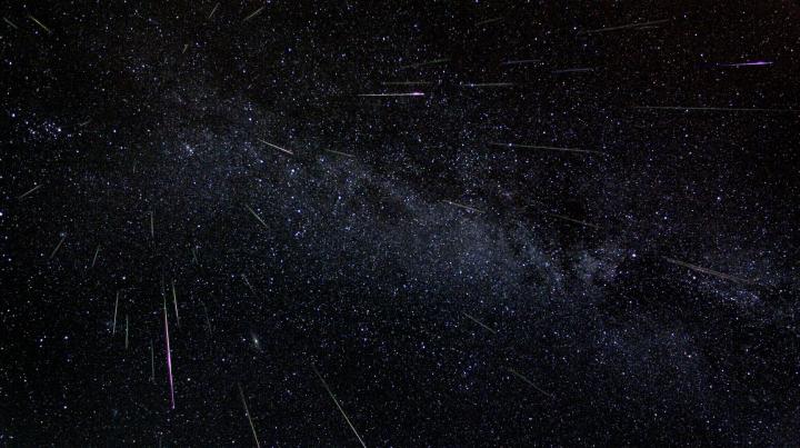 Spectacol pe cer! Fenomenul astronomic ce va putea fi văzut cu ochiul liber în această noapte