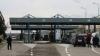 Circa o mie de oameni scandează la vama Leuşeni. Poliţiştii de frontieră stau de gardă (VIDEO)