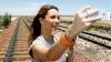 Tinere şi neliniştite. O moldoveancă A MURIT, dorind să-şi facă un SELFIE cu o prietenă pe tren