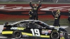 Câştigător surpriză la o cursă NASCAR: I-a bătut pe toţi în ultimele 20 de tururi