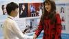 NU AI SĂ CREZI! Cine este de fapt YangYang, prezentă la conferință IT din Beijing