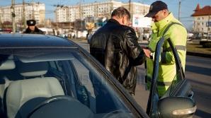 Un inspector de patrulare are dreptul să percheziţioneze pasagerii? Sfaturile Juristului