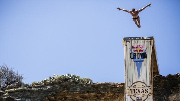 Britanicul Gary Hunt, invincibil la Mondialul de Cliff Diving