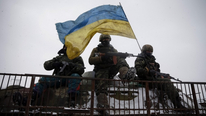 Militarii ucraineni au capturat doi spioni ruşi în Donbas. Luptele se desfăşoară în pofida acordului
