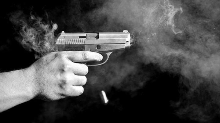 Un rus, reţinut la Chişinău: A tras cinci focuri de armă într-o saună (VIDEO)