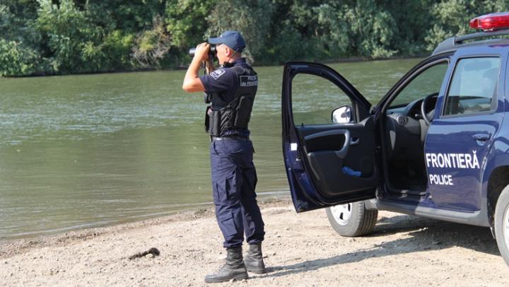 Au trezit suspiciuni. Motivul pentru care doi moldoveni au ajuns în vizorul poliţiştilor de frontieră