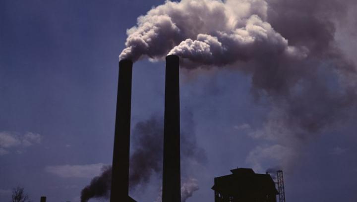 STUDIU: Poluarea ne intoxică fizic, dar ne poate provoca şi CRIZE DE ANXIETATE