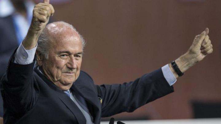 Păreri împărţite despre realegerea lui Blatter în funcţia de preşedinte al FIFA