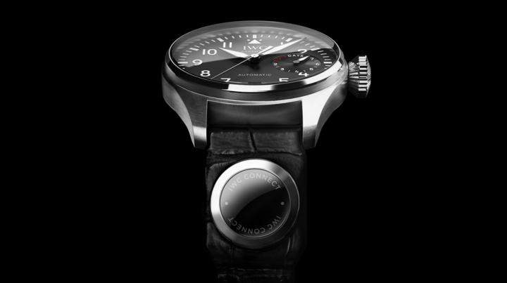 IWC Connect, gadgetul care transformă orice ceas într-un smartwatch