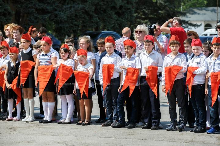 Marş al pionerilor în Capitală! Partidul Comuniștilor reînvie o tradiţie demult uitată (FOTO/VIDEO)